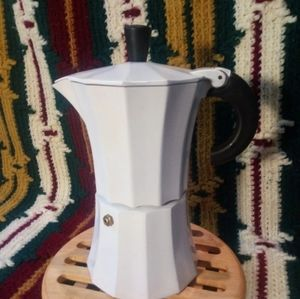 Moka Pot with wooden trivet